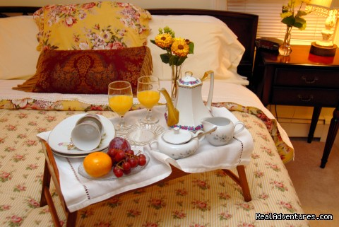 Breakfast in Bed at Arbor View House - B&B Romantic Getaway near Greenport | Arbor View