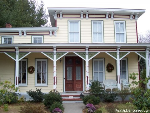 Arbor View House at Christmas - B&B Romantic Getaway near Greenport | Arbor View