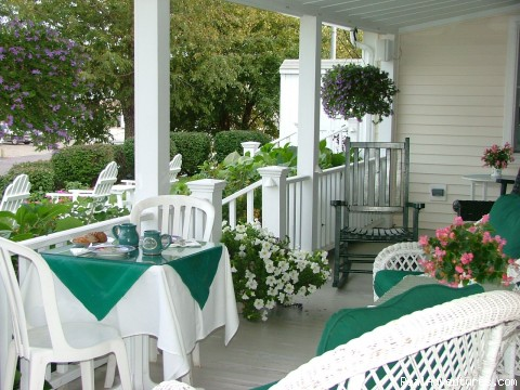 Breakfast On The Porch - Romantic Waterfront B&B near Mystic and Casinos