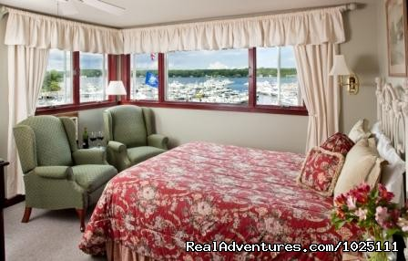 New London Harbor - Room 1 - Romantic Waterfront B&B near Mystic and Casinos