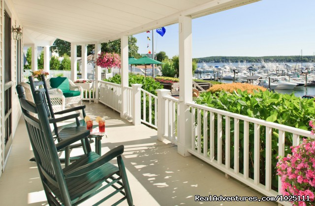 Coffee or Cocktails? - Romantic Waterfront B&B near Mystic and Casinos