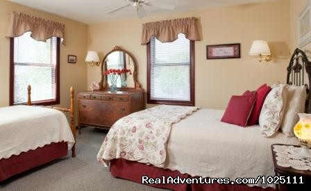 Orient Point - Room 4 - Romantic Waterfront B&B near Mystic and Casinos