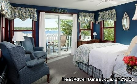Little Gull Island - Room 3 - Romantic Waterfront B&B near Mystic and Casinos