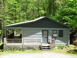 Cherokee NC Log Cabin Rental w/ Hot Tub