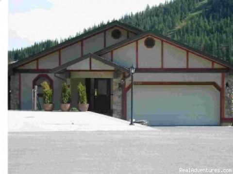 Front Of Chalet - ALPINE SUN CHALET - Sun Peaks Resort