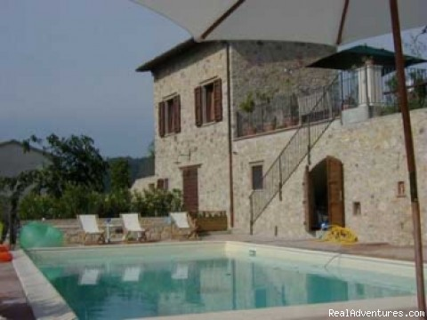 residence and its pool - Charming and elegant residence in Umbria Italy