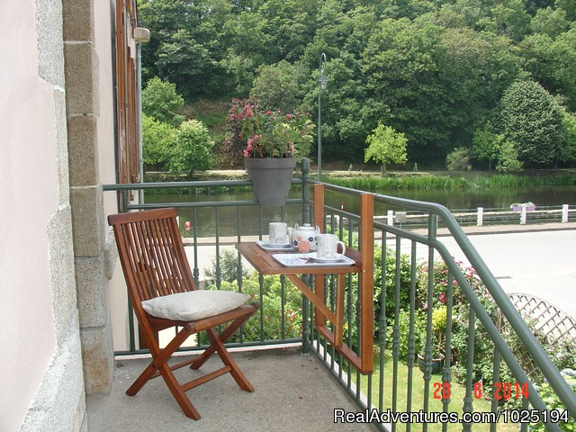 - riverside accommodation/gites in Brittany