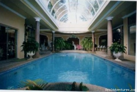 Sydneys Mansion Estate B&B: Indoor Pool