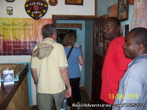 Mus'Art Gallery, Tourists getting into museum - Mus'Art Gallery: Grass-fields Arts Museum Cameroon