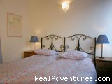 queensize bedroom - Apartment in Rome - Via dei Greci