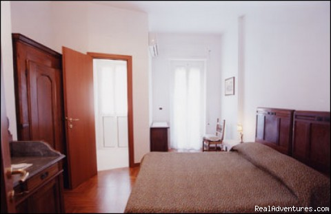Room 1 - F&F bed and breakfast Rome