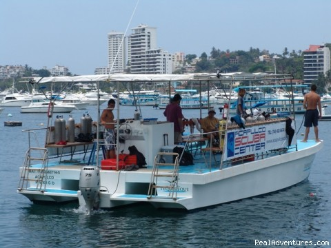 New Catamaran - Hooka, Snorkel and scuba dive tours in Acapulco