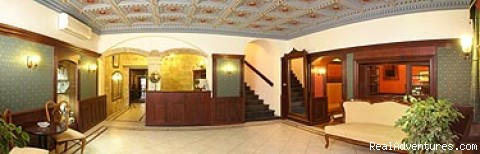 Entrance with a reception - Hotel and Restaurant Barbora****
