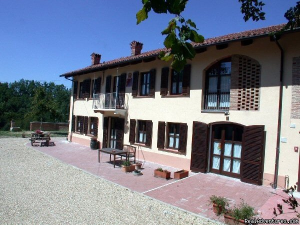 Cascina Caldera B&B, front view | Image #5/11 | Cascina Caldera  Bed & Breakfast