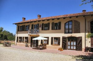 Cascina Caldera  Bed & Breakfast Cantarana (AT), Italy Bed & Breakfasts
