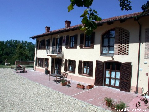 Cascina Caldera B&B, front view - Cascina Caldera  Bed & Breakfast