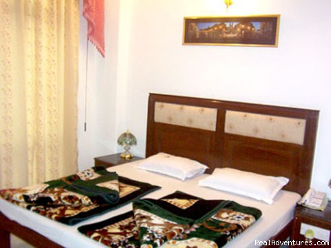 Hotel Chand Palace Deluxe Room - Hotel Chand Palace