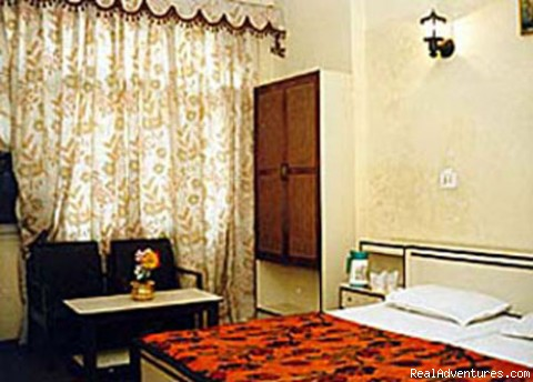 - Hotel Chand Palace