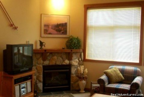 Gas Fire Place, TV/DVD/VCR,Sterio,Movies | Image #2/9 | Sun Peaks Condo