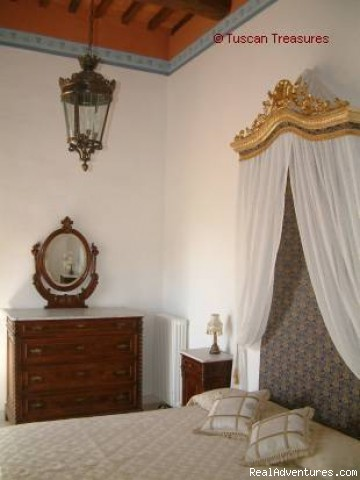 One of the Double (matrimoniale) Bedroom - Casa Beata - Cortona, Italy