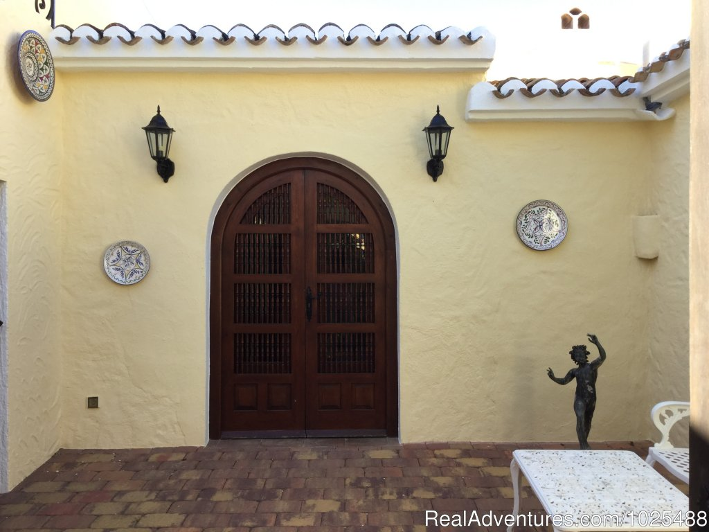 Main Entrance Courtyard | Image #12/22 | Quinta Quince- Luxury Spanish Villa for Rent