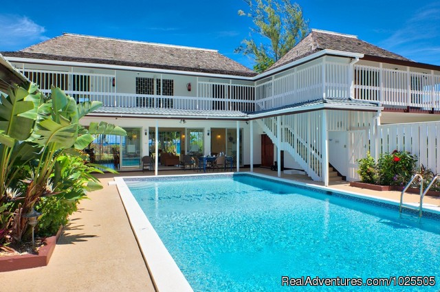 Luxury Beachfront villa with a pool,amazing rate Runaway Bay, Jamaica Vacation Rentals