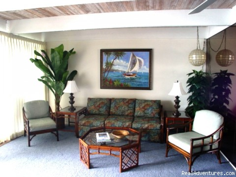 Living room with lanai 2nd floor - Maui Condo Rental - OCEANFRONT - &Lokelani 2Br&