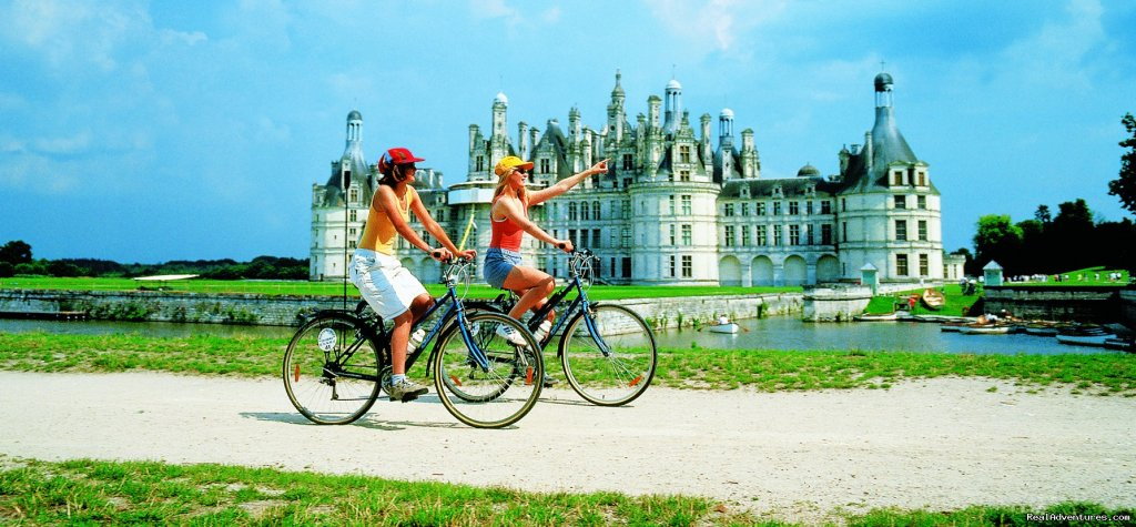France - Cycling to the castles of the Loire valley
