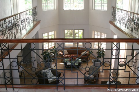 - CrossWinds Villa Bed & Breakfast