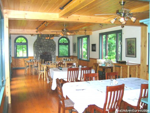 Breakfast room - Trail's End Inn