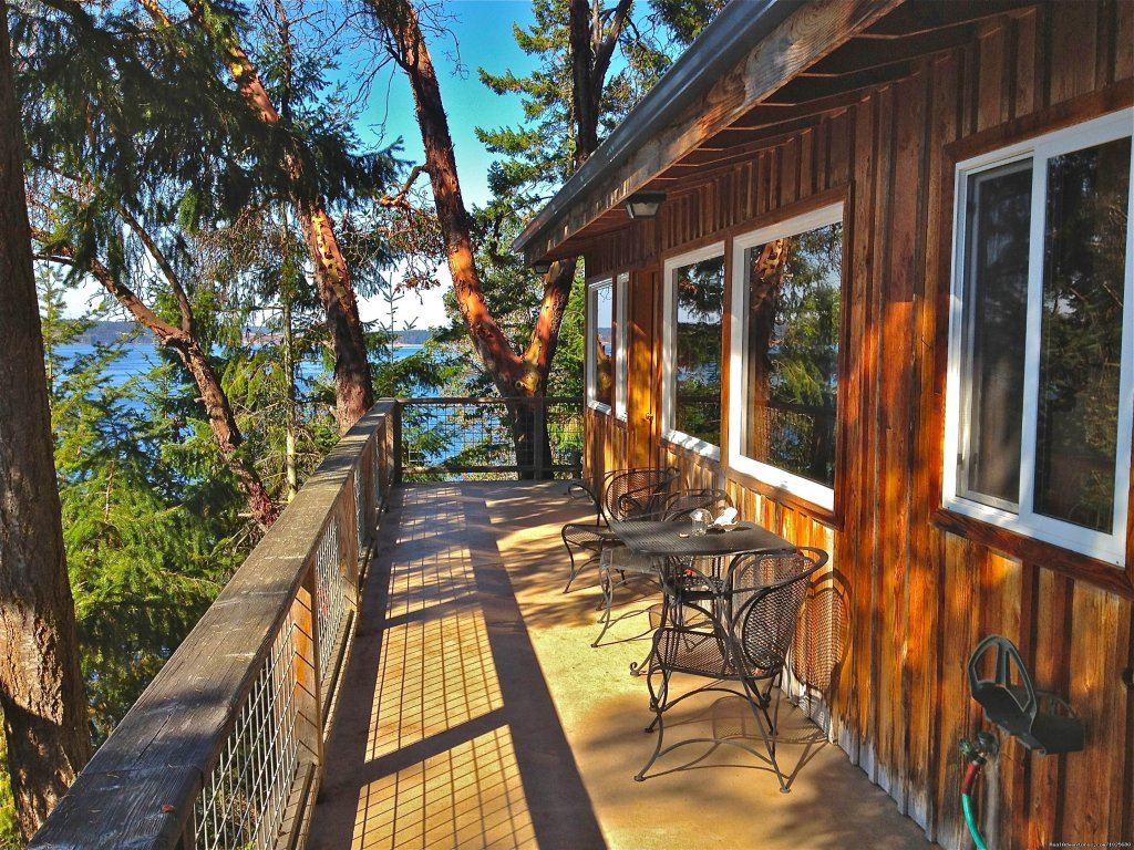 Offering 8 private, fully furnished waterfront vacation rentals nestled on Sequim Bay, on the Olympic Peninsula in Washington State. Open Year Round...