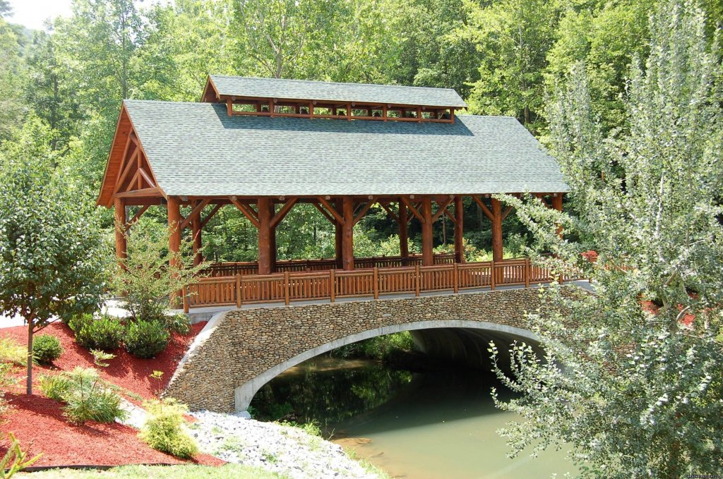 Smoky Mountain Ridge Covered Bridge