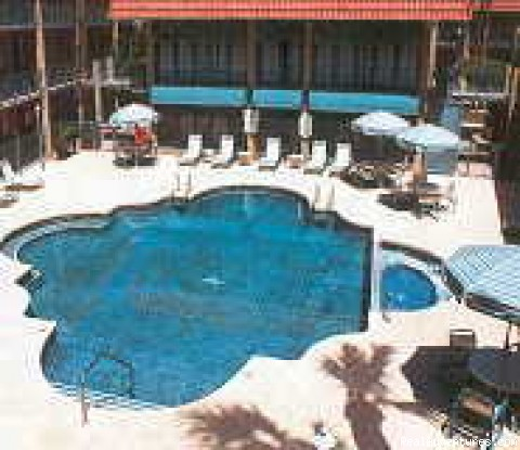 Executive Suites Extended Stay: Pool