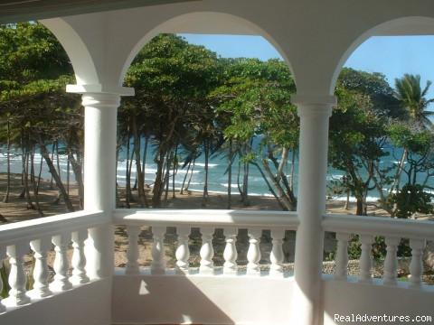 - Encuentro Beach Apartments