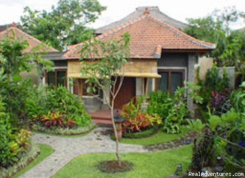Putu Bali Bungalow - Discounted Bali Bed & Breakfasts, Hotels & Resorts