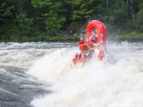 horizon X rafting / kayak / Xpeditions Calumet island, Quebec Rafting Trips