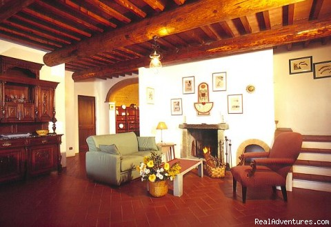 - Castello di Pastine weekly rentals in TUSCANY