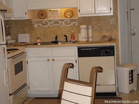 Fully Equipped Kitchen - ATTENTION: Beach, Tennis,&Golf Lovers