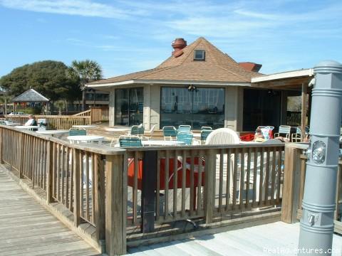 ATTENTION: Beach, Tennis,&Golf Lovers outdoor beach restaurant
