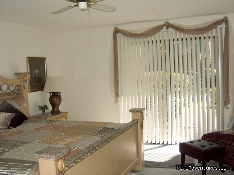 Palmetto Dunes Master Bedroom - ATTENTION: Beach, Tennis,&Golf Lovers