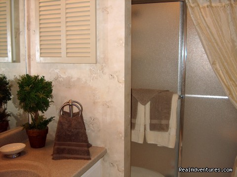 Palmetto Dunes Master Bath - ATTENTION: Beach, Tennis,&Golf Lovers