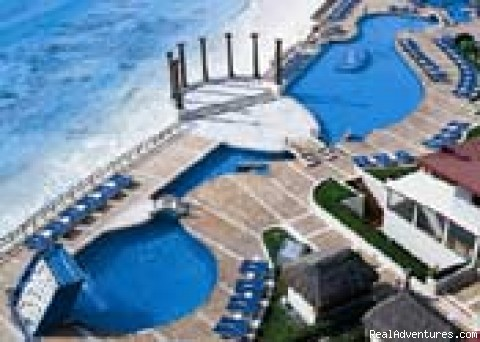 Krystals pool & Carribean Sea - Cancun Presidential Suite