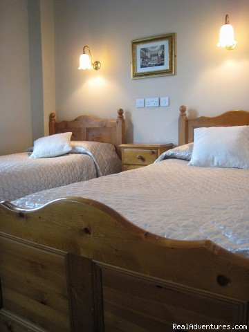 Twin beds - Stay at O'Neill's Traditional Old Dublin Pub