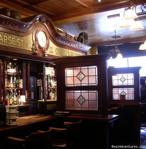 O'Neills Bar - Stay at O'Neill's Traditional Old Dublin Pub