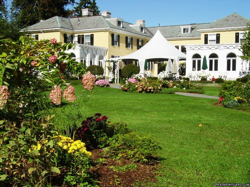 Lilac Inn Gardens | Image #3/4 | Leading Romantic Vermont Country Inn