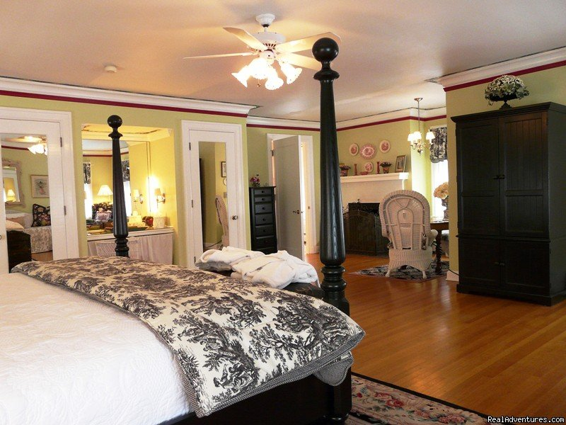 Lilac Inn Grande Suite | Image #4/4 | Leading Romantic Vermont Country Inn