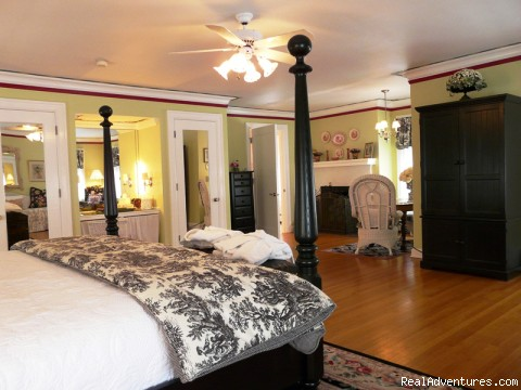 Lilac Inn Grande Suite - Leading Romantic Vermont Country Inn
