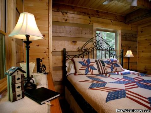 Creekside luxury log cabins in the Smokies Rustic, romantic lodging (Hideaway)