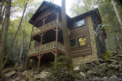 Creekside luxury log cabins in the Smokies