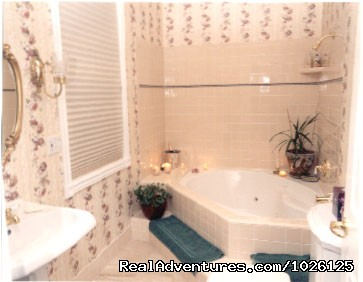 Victorian Rose Bathroom - Get Pampered At WIld Rose Manor B&B